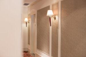 7500 Larch hallway